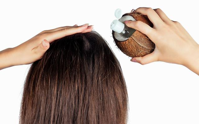 THREE MYTHS ABOUT HAIR OILING BY HAIR SPECIALIST